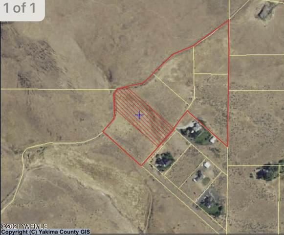 906 Camelot Way, Yakima, WA 98908 (MLS #21-1378) :: Amy Maib - Yakima's Rescue Realtor