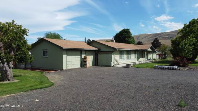 2901 S 35th Ave Ave, Yakima, WA 98903 (MLS #21-1387) :: Heritage Moultray Real Estate Services