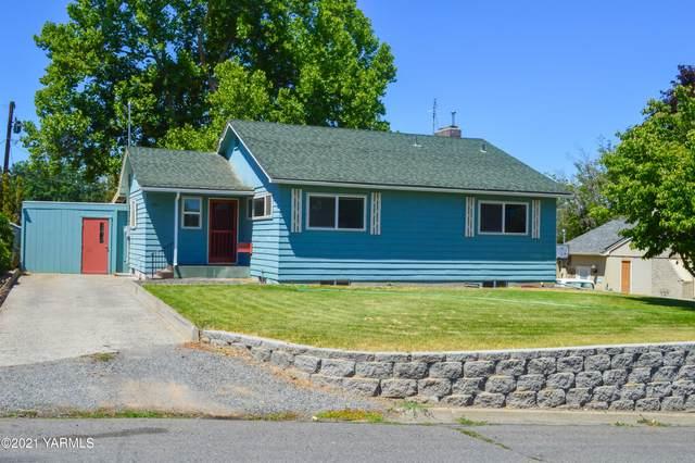 302 N 27th Ave, Yakima, WA 98902 (MLS #21-1468) :: Candy Lea Stump   Keller Williams Yakima Valley