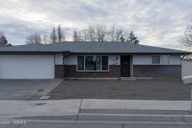 1704 S 72nd Ave, Yakima, WA 98908 (MLS #21-147) :: Amy Maib - Yakima's Rescue Realtor