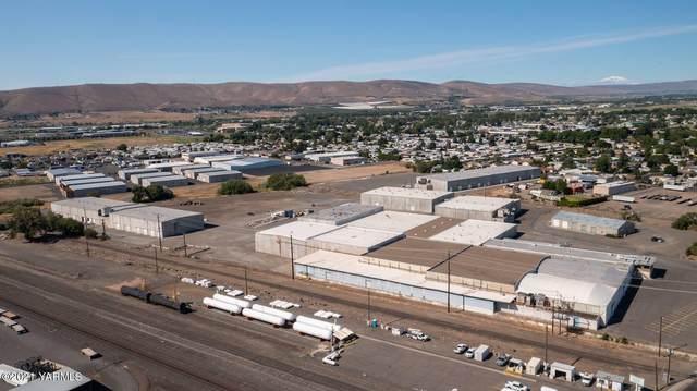 10 W Mead Ave, Yakima, WA 98902 (MLS #21-1564) :: Amy Maib - Yakima's Rescue Realtor
