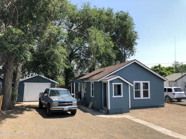 717 N 28th Ave, Yakima, WA 98902 (MLS #21-1601) :: Heritage Moultray Real Estate Services