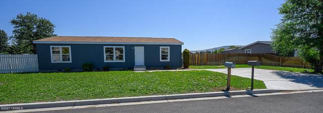 2605 S 72nd Ave, Yakima, WA 98903 (MLS #21-1611) :: Heritage Moultray Real Estate Services