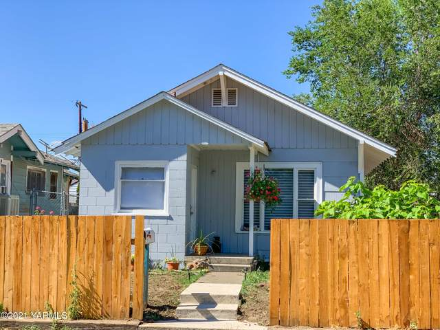 1411 Garfield Ave, Yakima, WA 98902 (MLS #21-1643) :: Heritage Moultray Real Estate Services