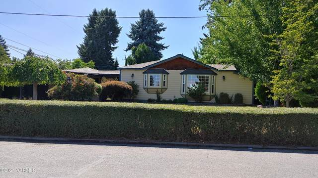 408 N 31st Ave, Yakima, WA 98902 (MLS #21-1676) :: Heritage Moultray Real Estate Services