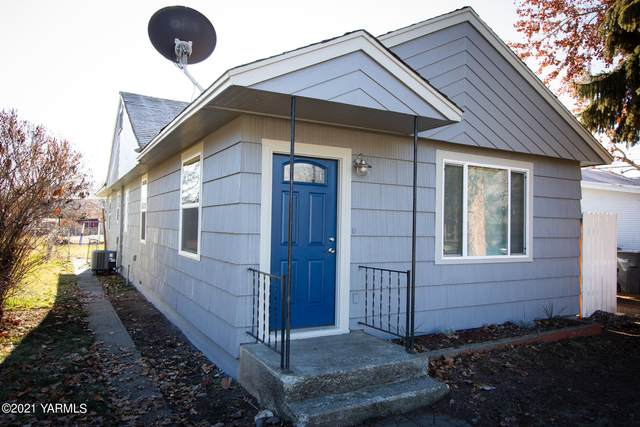 208 W 4th St, Naches, WA 98937 (MLS #21-175) :: Amy Maib - Yakima's Rescue Realtor