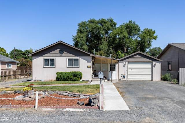 2215 S 5th Ave, Yakima, WA 98903 (MLS #21-1757) :: Amy Maib - Yakima's Rescue Realtor