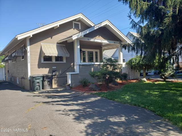 203 S 32nd Ave, Yakima, WA 98902 (MLS #21-1777) :: Heritage Moultray Real Estate Services