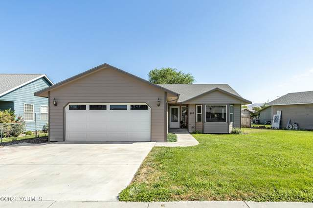 203 Seattle Ave, Moxee, WA 98936 (MLS #21-1794) :: Heritage Moultray Real Estate Services