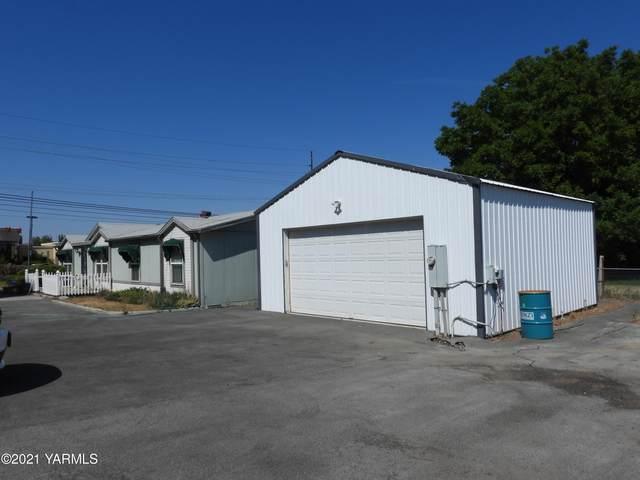 1105 S 44th Ave, Yakima, WA 98908 (MLS #21-1812) :: Nick McLean Real Estate Group