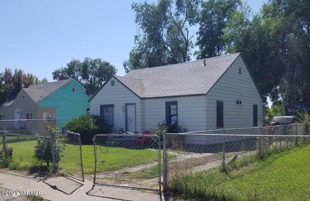1008 S 7th St, Yakima, WA 98901 (MLS #21-1842) :: Heritage Moultray Real Estate Services
