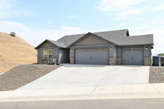 301 S 12th St, Selah, WA 98942 (MLS #21-1877) :: Candy Lea Stump | Keller Williams Yakima Valley