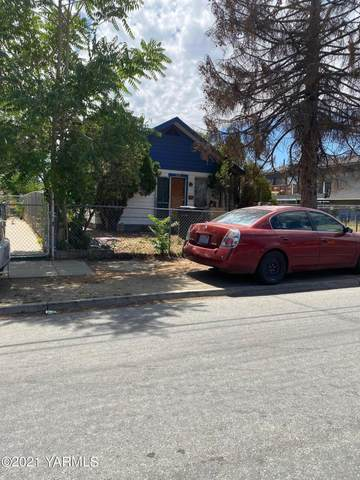 1114 Cherry Ave, Yakima, WA 98902 (MLS #21-1917) :: Heritage Moultray Real Estate Services
