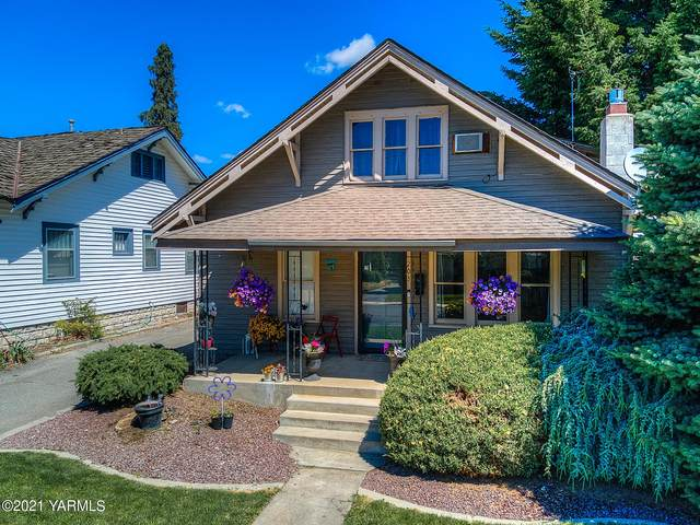 203 W Orchard Ave, Selah, WA 98942 (MLS #21-1927) :: Heritage Moultray Real Estate Services