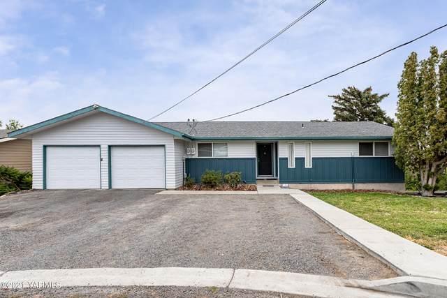511 Santa Roza Dr, Yakima, WA 98901 (MLS #21-1949) :: Heritage Moultray Real Estate Services
