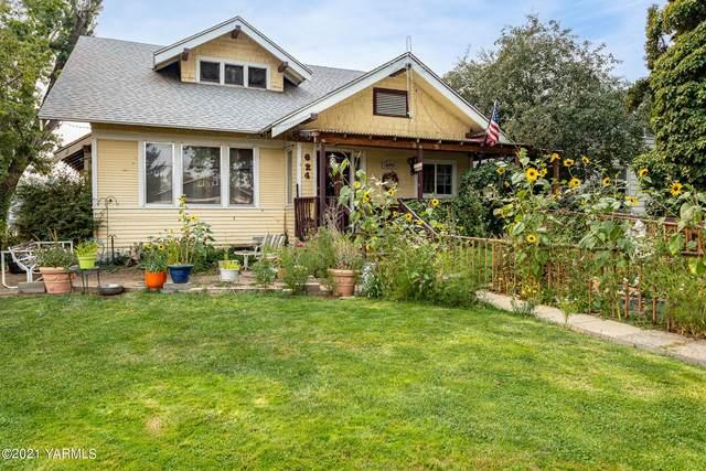 624 Pleasant Ave, Yakima, WA 98902 (MLS #21-2091) :: Candy Lea Stump   Keller Williams Yakima Valley