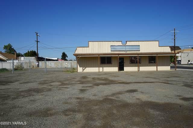 6 W 2nd Ave, Toppenish, WA 98948 (MLS #21-2101) :: Amy Maib - Yakima's Rescue Realtor