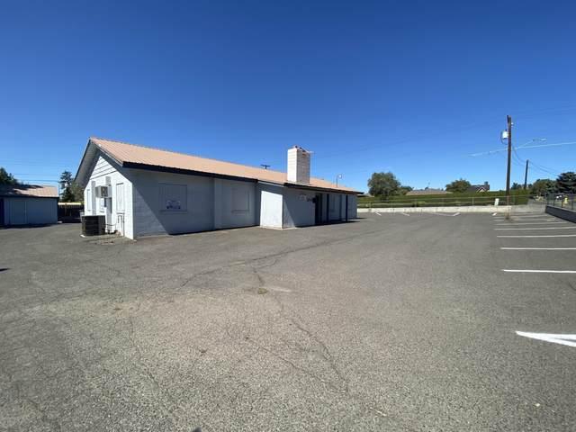 204 S 46th Ave, Yakima, WA 98908 (MLS #21-2171) :: Amy Maib - Yakima's Rescue Realtor