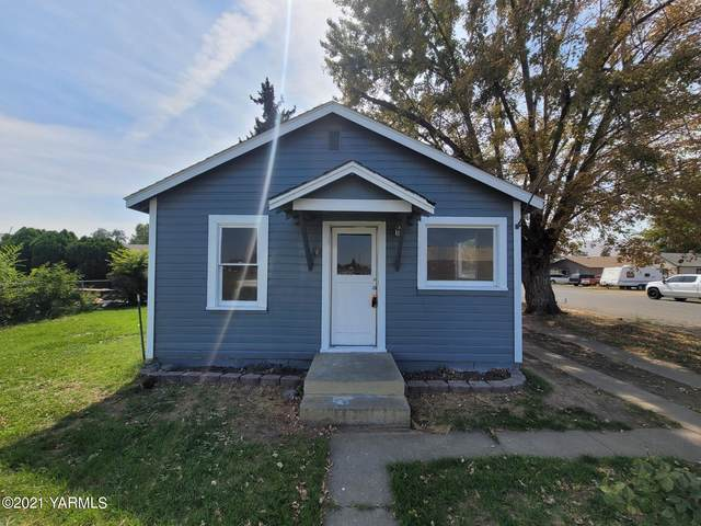 208 W Columbus St, Union Gap, WA 98903 (MLS #21-2180) :: Heritage Moultray Real Estate Services