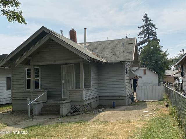 1114 Jefferson Ave, Yakima, WA 98902 (MLS #21-2209) :: Heritage Moultray Real Estate Services