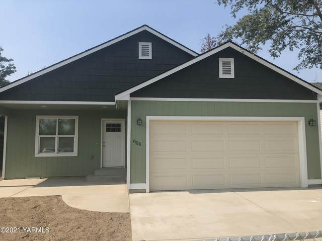 606 S 4T St, Yakima, WA 98901 (MLS #21-2241) :: Heritage Moultray Real Estate Services