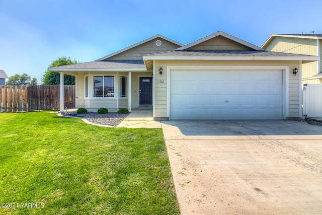 102 St Helens Ave, Moxee, WA 98936 (MLS #21-2269) :: Heritage Moultray Real Estate Services