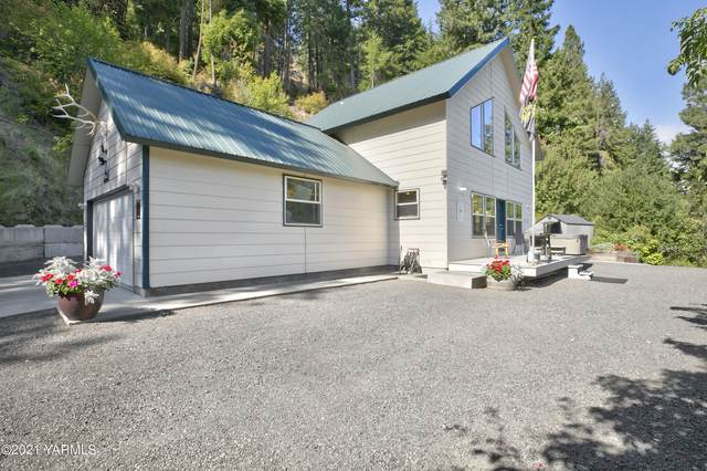 250 Pine Cliffs Dr, Naches, WA 98937 (MLS #21-2271) :: Heritage Moultray Real Estate Services