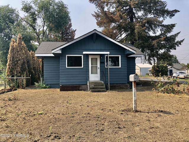 902 S 5th Ave, Yakima, WA 98902 (MLS #21-2297) :: Candy Lea Stump   Keller Williams Yakima Valley
