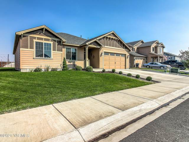 907 Magnum Ave, Moxee, WA 98936 (MLS #21-2310) :: Heritage Moultray Real Estate Services