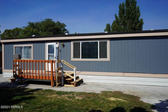 142 NW Fern Ave, Royal City, WA 99357 (MLS #21-2312) :: Heritage Moultray Real Estate Services
