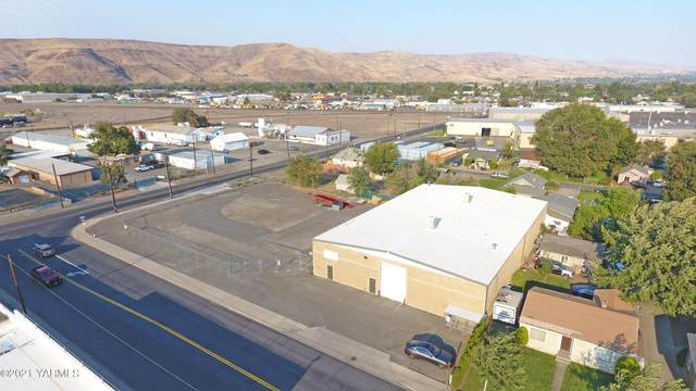 925 N 5th Ave, Yakima, WA 98902 (MLS #21-2315) :: Heritage Moultray Real Estate Services