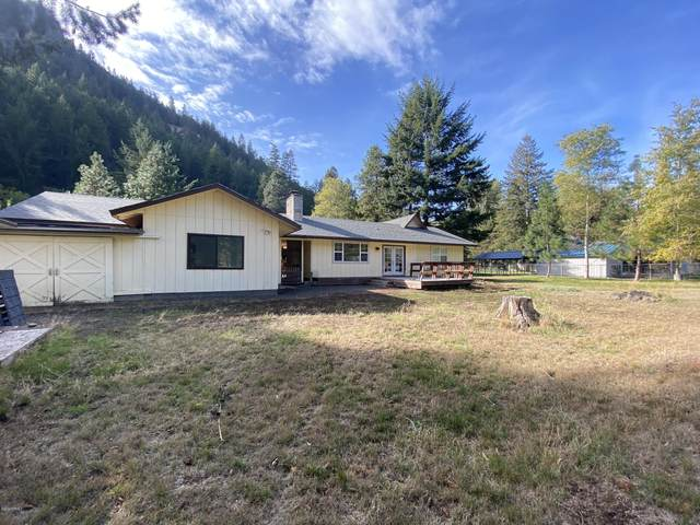 151 Pine Cliff Dr, Naches, WA 98937 (MLS #21-2382) :: Heritage Moultray Real Estate Services
