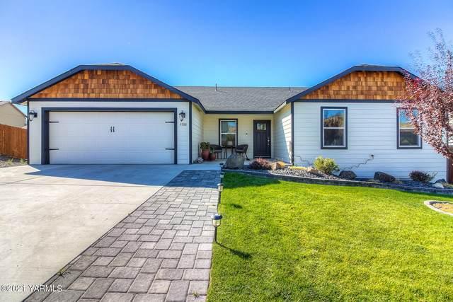 5500 Blackstone Ct, Yakima, WA 98901 (MLS #21-2416) :: Heritage Moultray Real Estate Services