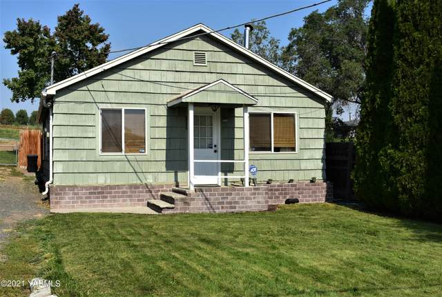 111 Selah Naches Rd, Selah, WA 98942 (MLS #21-2448) :: Heritage Moultray Real Estate Services