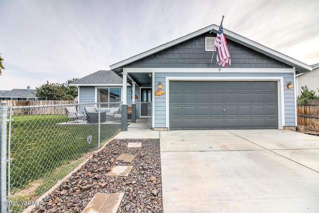 611 N Iler St, Moxee, WA 98936 (MLS #21-2464) :: Heritage Moultray Real Estate Services