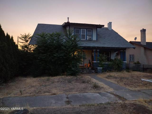 610 S 13th Ave, Yakima, WA 98902 (MLS #21-2475) :: Heritage Moultray Real Estate Services