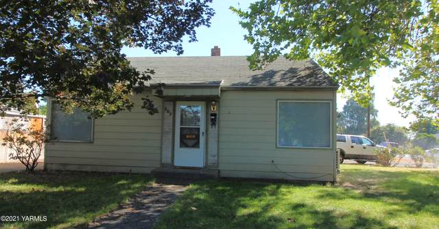 809 S 2nd Ave, Yakima, WA 98902 (MLS #21-2485) :: Heritage Moultray Real Estate Services