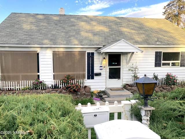 401 N 25th Ave, Yakima, WA 98902 (MLS #21-2559) :: Heritage Moultray Real Estate Services