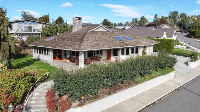 6907 W Lincoln Ave, Yakima, WA 98908 (MLS #21-2580) :: Heritage Moultray Real Estate Services