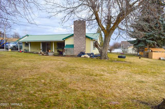 7107 Occidental Rd, Yakima, WA 98903 (MLS #21-263) :: Heritage Moultray Real Estate Services