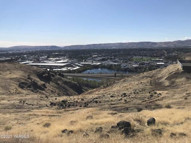 110 Dwinell Dr, Selah, WA 98942 (MLS #21-2651) :: Amy Maib - Yakima's Rescue Realtor