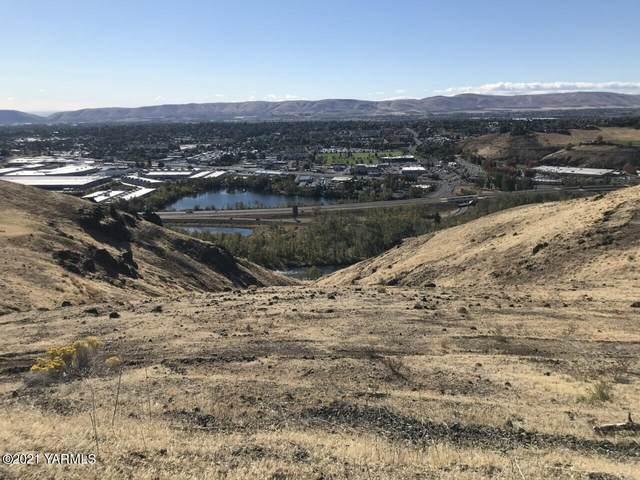114 Dwinell Dr, Selah, WA 98942 (MLS #21-2653) :: Amy Maib - Yakima's Rescue Realtor