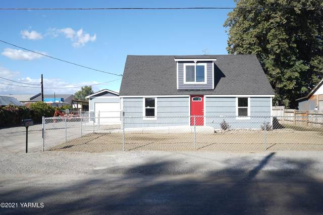 2101 E Carey St, Union Gap, WA 98903 (MLS #21-2698) :: Heritage Moultray Real Estate Services