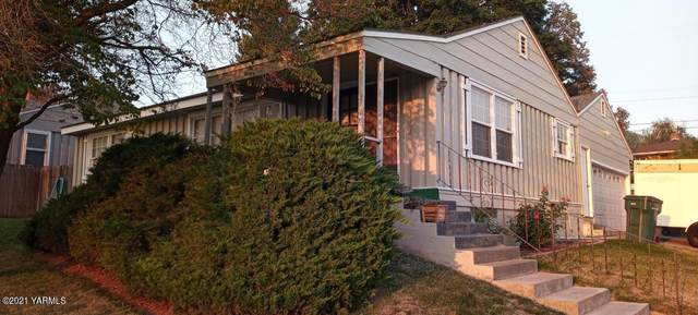 902 S 30th Ave, Yakima, WA 98902 (MLS #21-2707) :: Amy Maib - Yakima's Rescue Realtor
