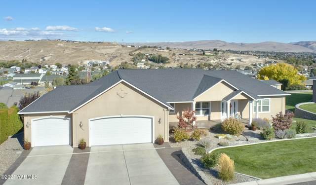 1305 Heritage Hills Dr, Selah, WA 98942 (MLS #21-2722) :: Amy Maib - Yakima's Rescue Realtor