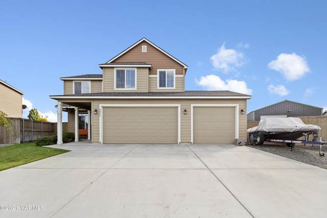 8806 Wilshire Dr, Pasco, WA 99301 (MLS #21-2759) :: Heritage Moultray Real Estate Services