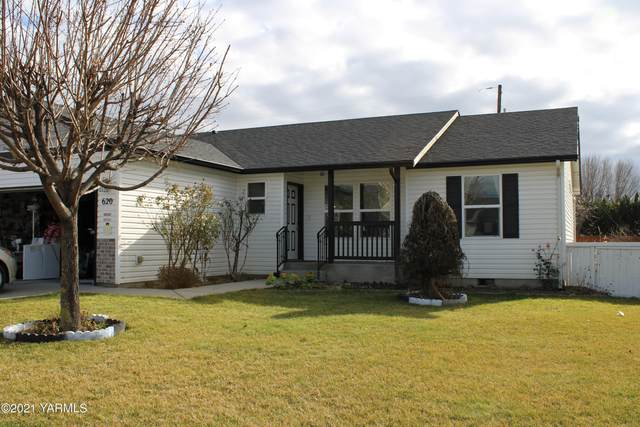 620 Arteaga Cir, Grandview, WA 98930 (MLS #21-276) :: Candy Lea Stump | Keller Williams Yakima Valley