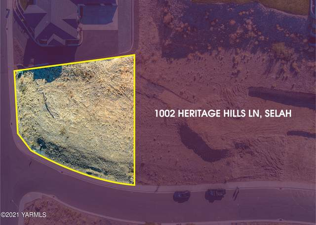 1002 Heritage Hills Ln, Selah, WA 98942 (MLS #21-2775) :: Heritage Moultray Real Estate Services