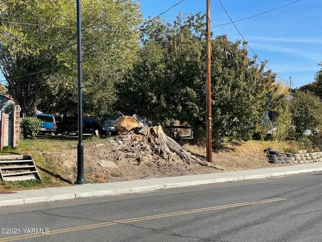 907 1st Ave, Zillah, WA 98953 (MLS #21-2779) :: Amy Maib - Yakima's Rescue Realtor