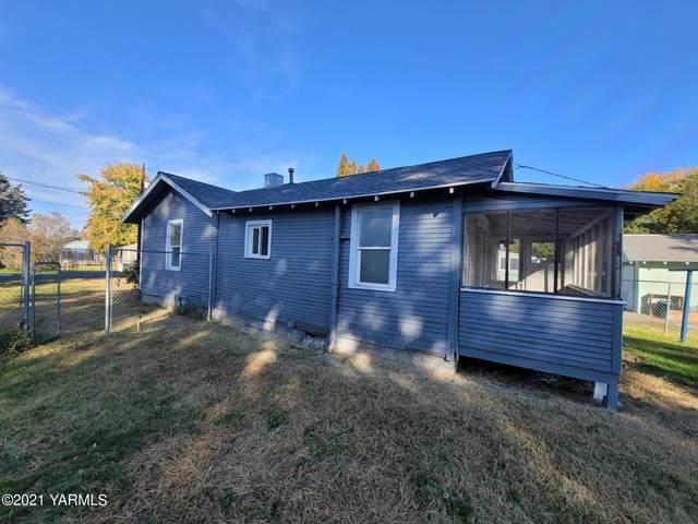 1403 S 13th Ave, Yakima, WA 98902 (MLS #21-2799) :: Amy Maib - Yakima's Rescue Realtor
